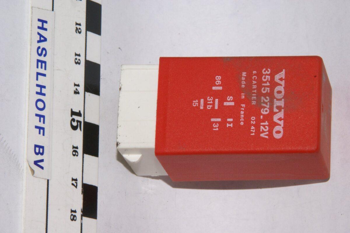 DSC01292 relais Volvo CARTIER 3515279 02471