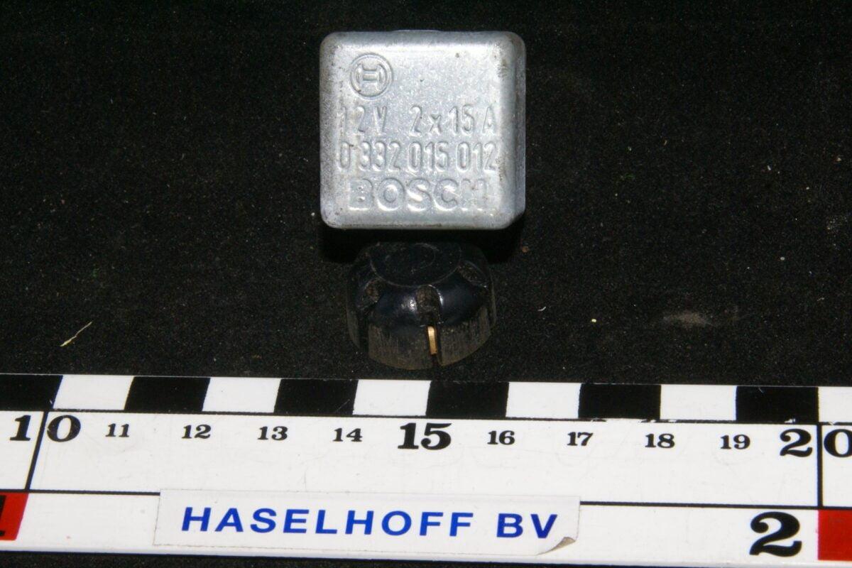 DSC01304 relais Volvo BOSCH 0332015012