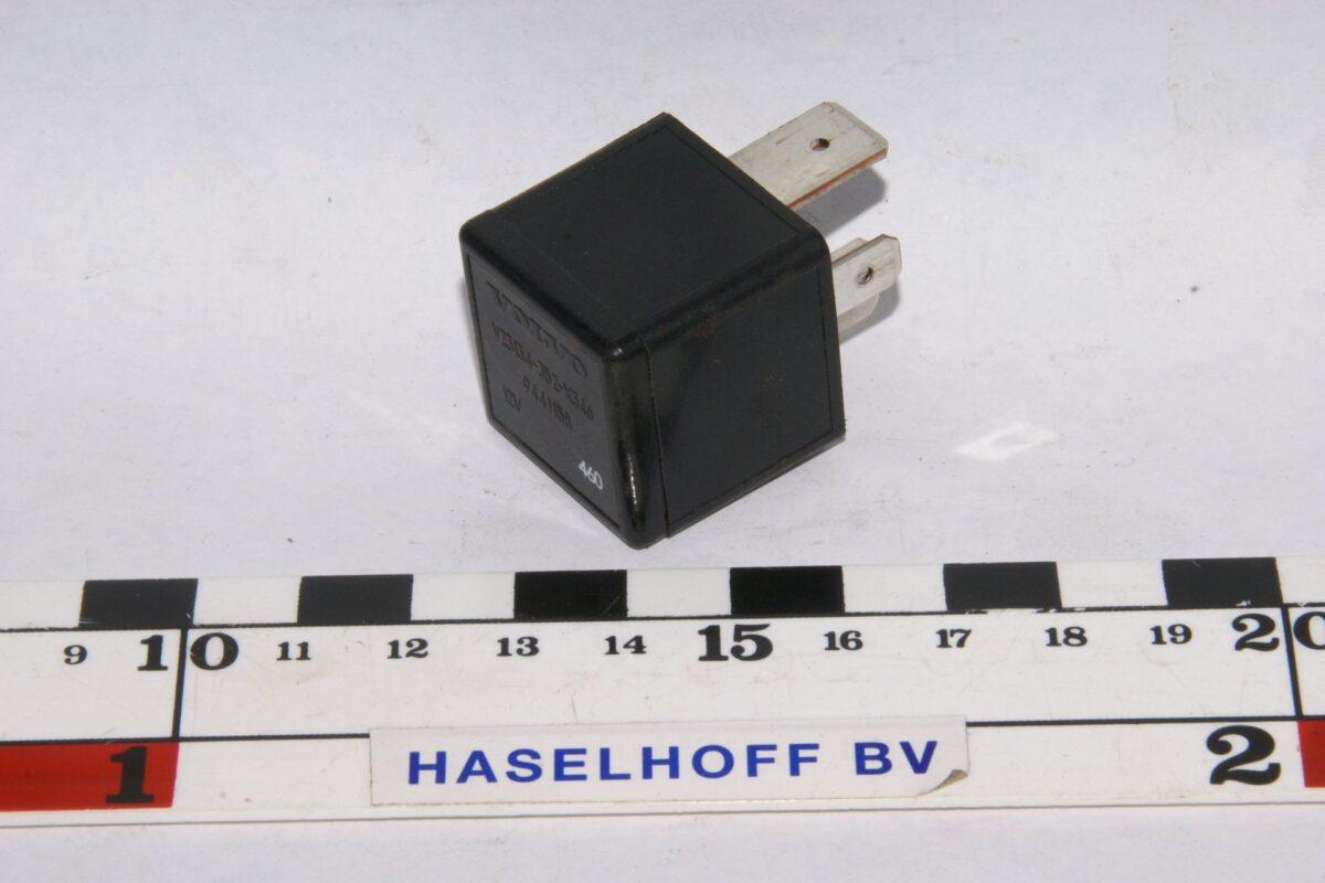 DSC01322 relais Volvo 9441158
