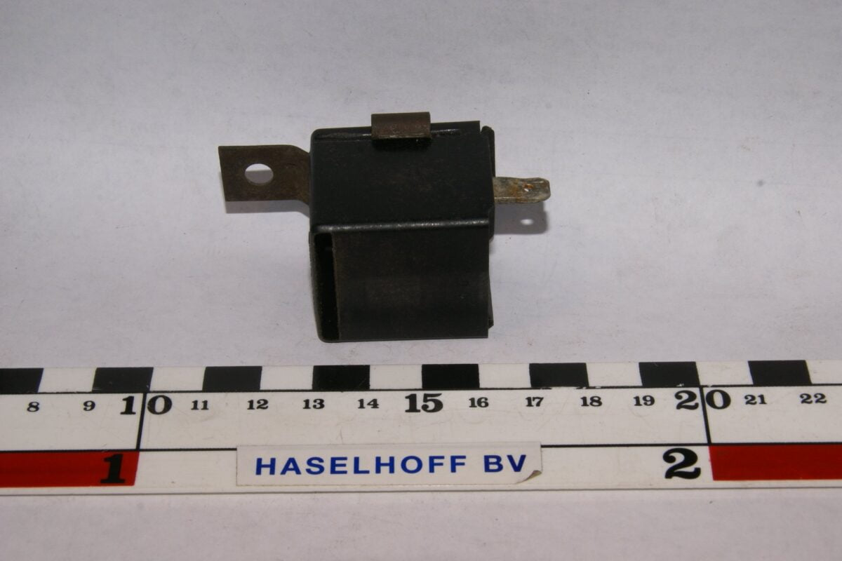 DSC01472 zoemer Volvo HELLA 003985-01