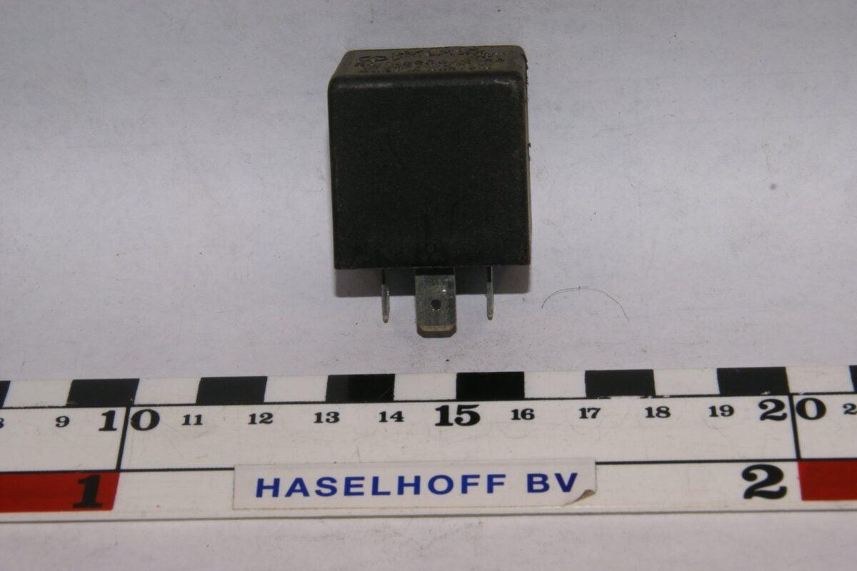DSC01496 relais Volvo 72BA36