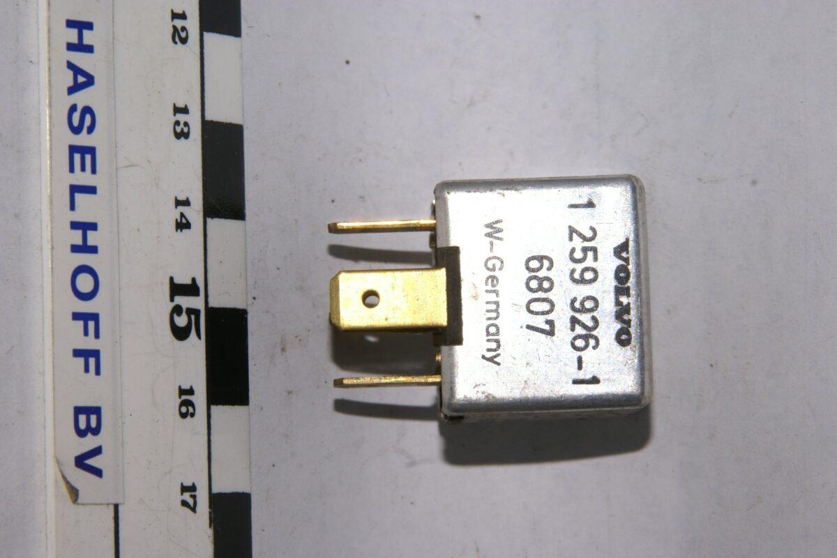 DSC01599 relais Volvo 1259926-1 6807