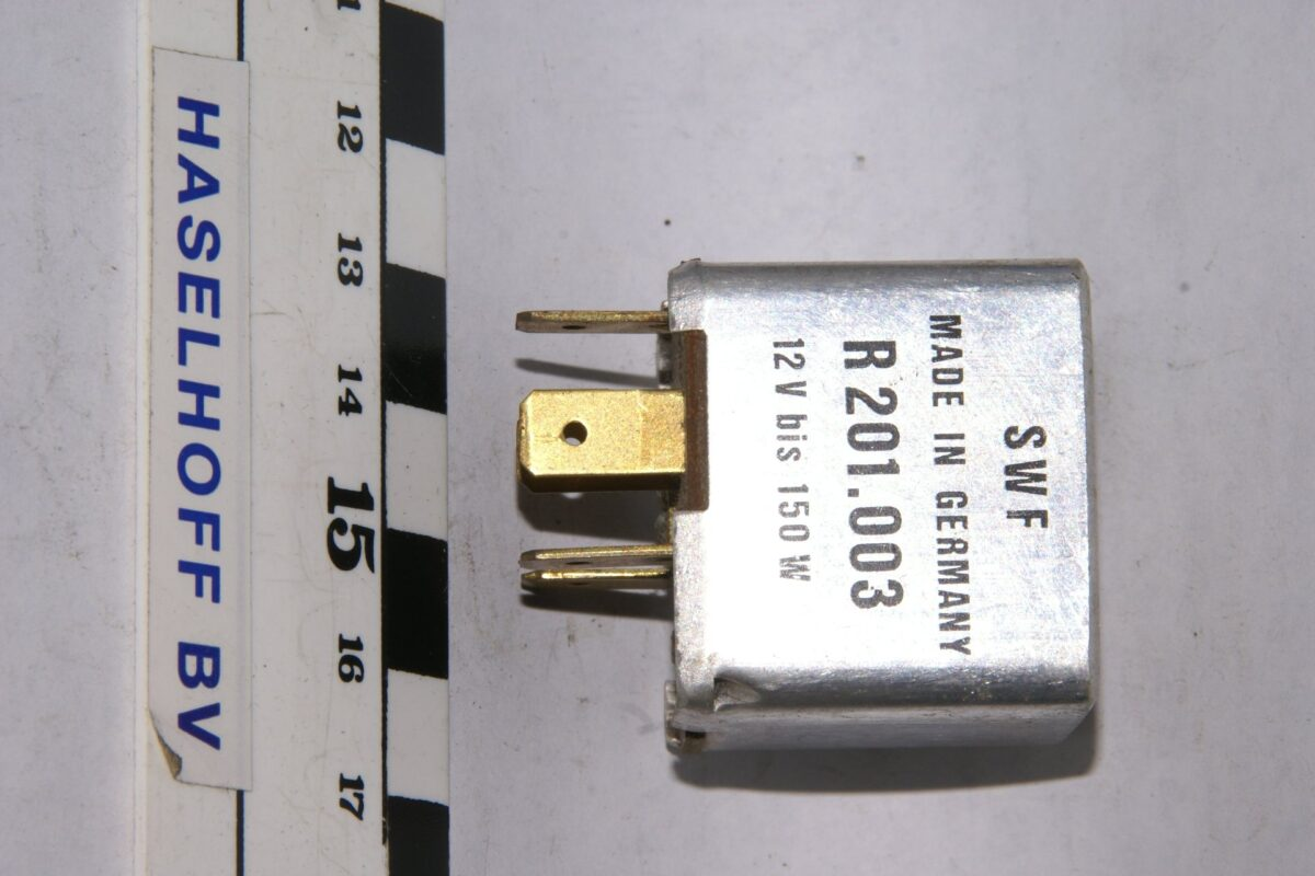 DSC01604 relais Volvo SWF R201003