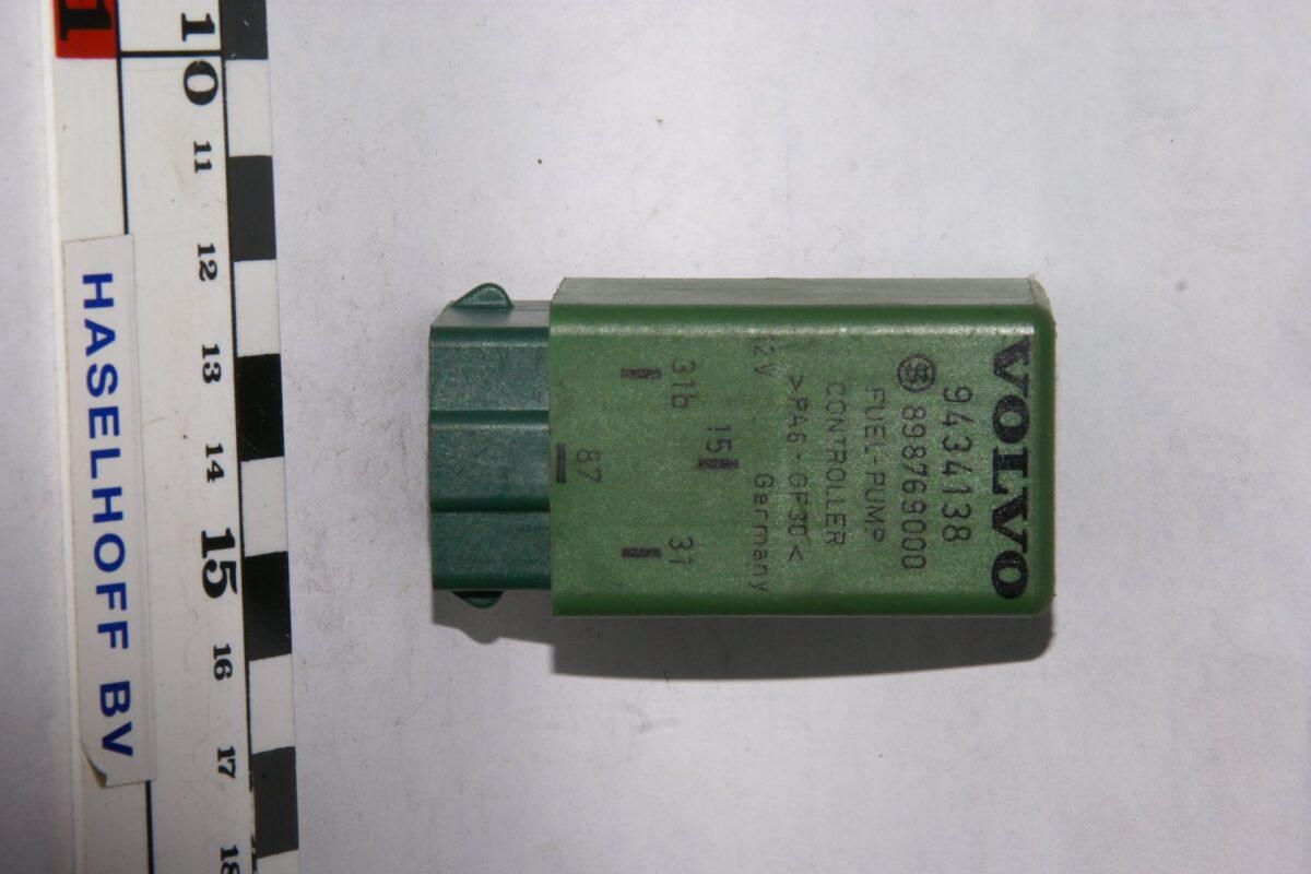 DSC01623 relais fuelpump cntroller  Volvo 9434138 898769000