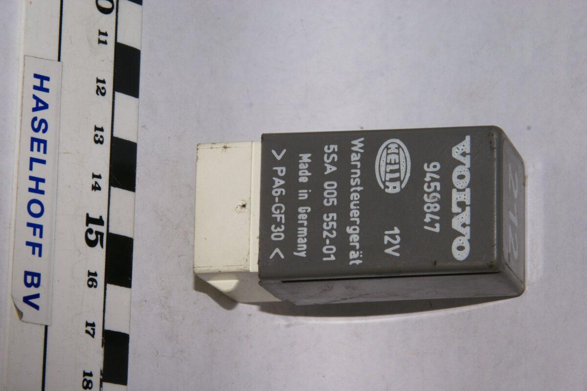 DSC01630 relais Volvo 212 9459847 5SA005552-01