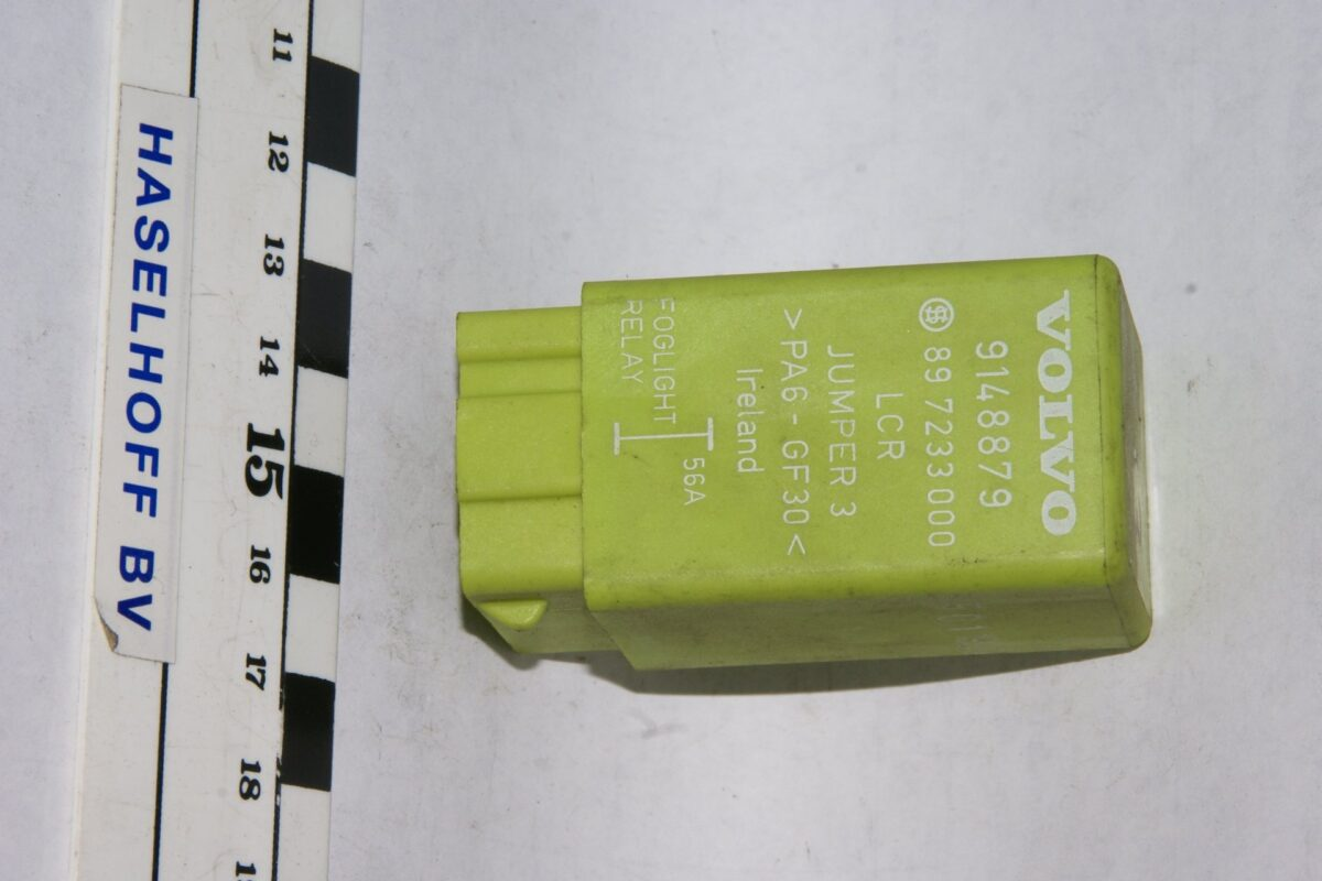 DSC01633 relais Volvo foglight 9148879 897233000