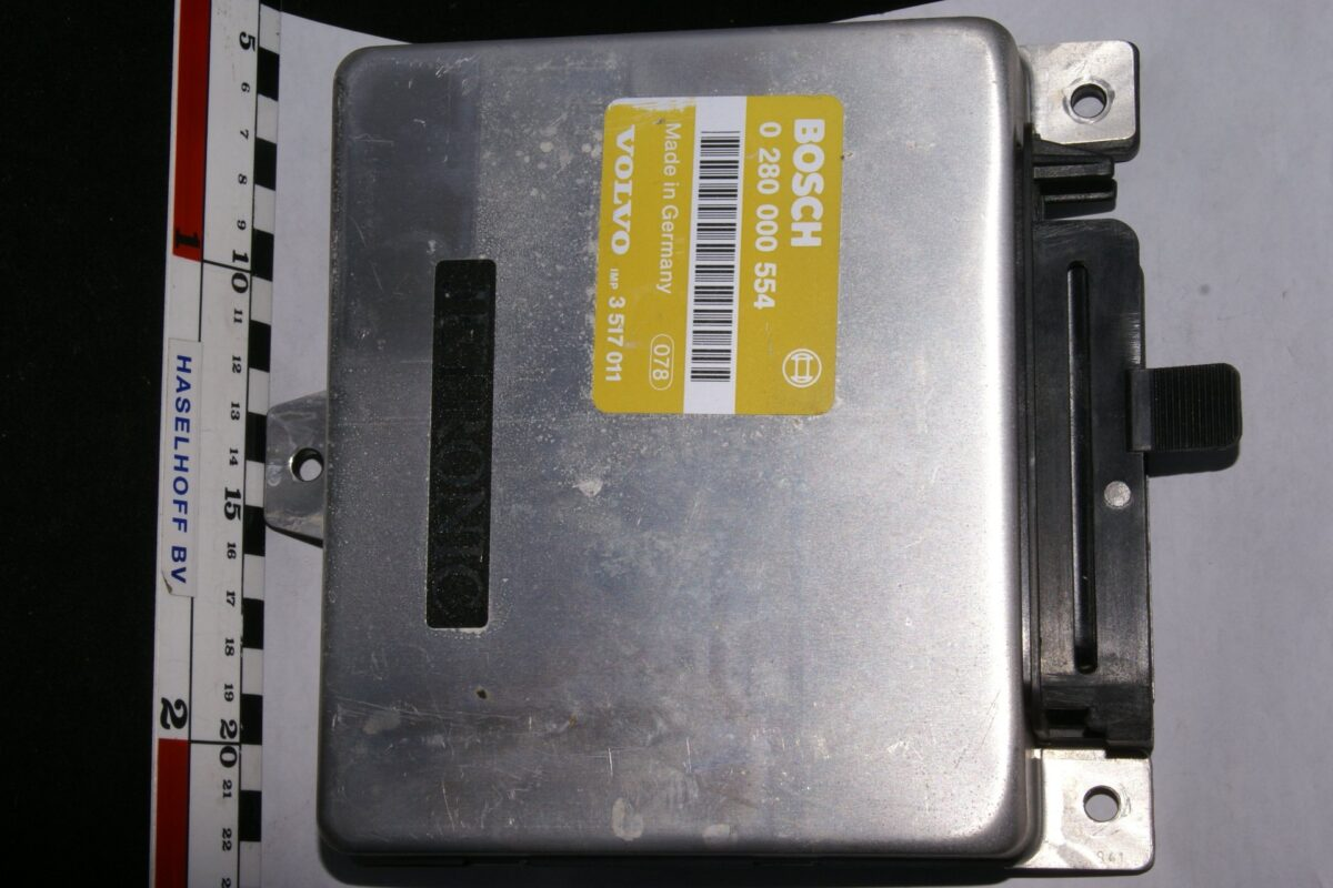 DSC01642 ecu Volvo BOSCH Jetronic  280000554