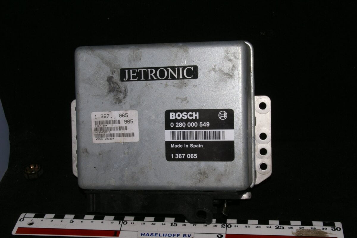 DSC01650 ecu Volvo Bosch Jetronic 280000549