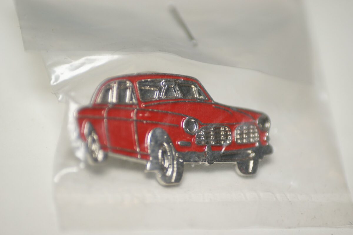 DSC08496 Volvo Amazon 130 rood pin mint