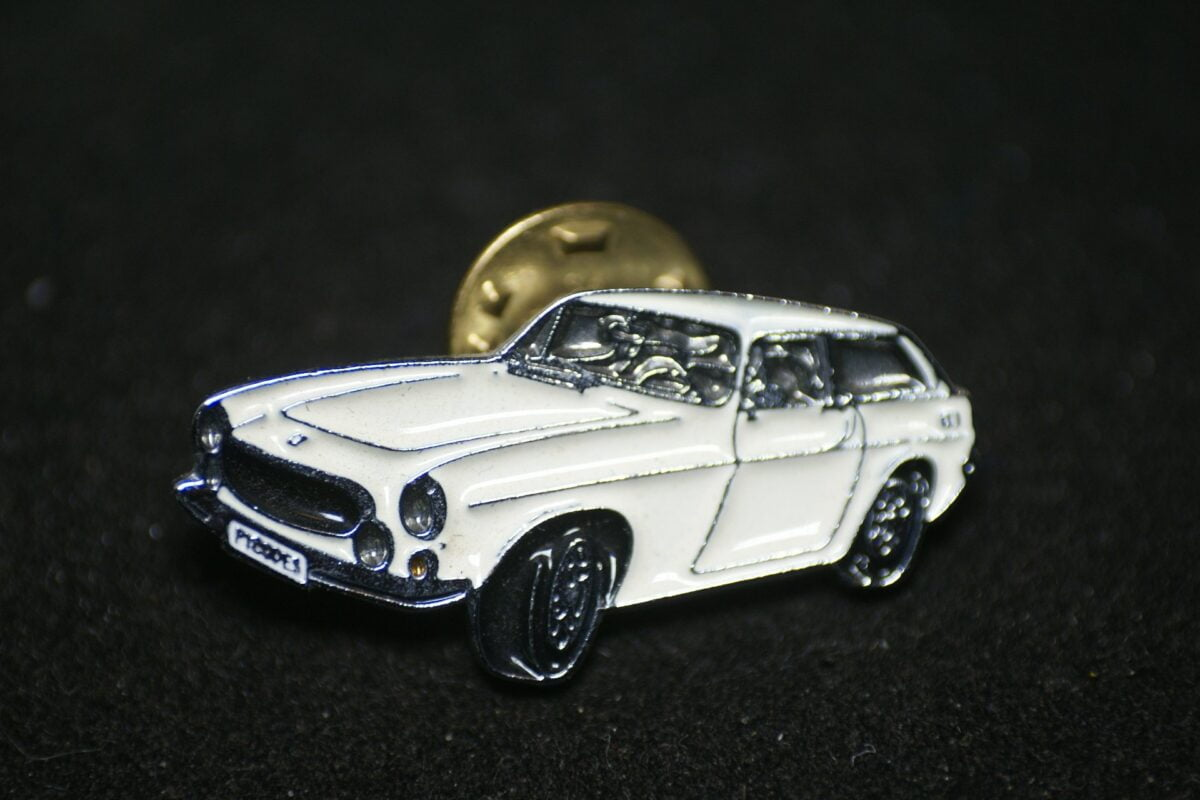 DSC08499 Volvo 1800ES wit pin mint
