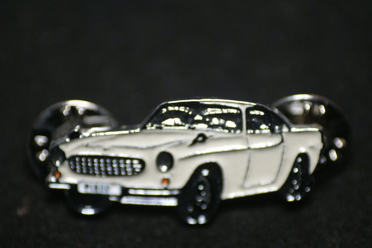 DSC08501 Volvo P1800 wit pin mint