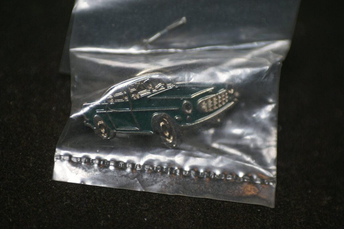 DSC08506 Volvo P1800 groen pin mint