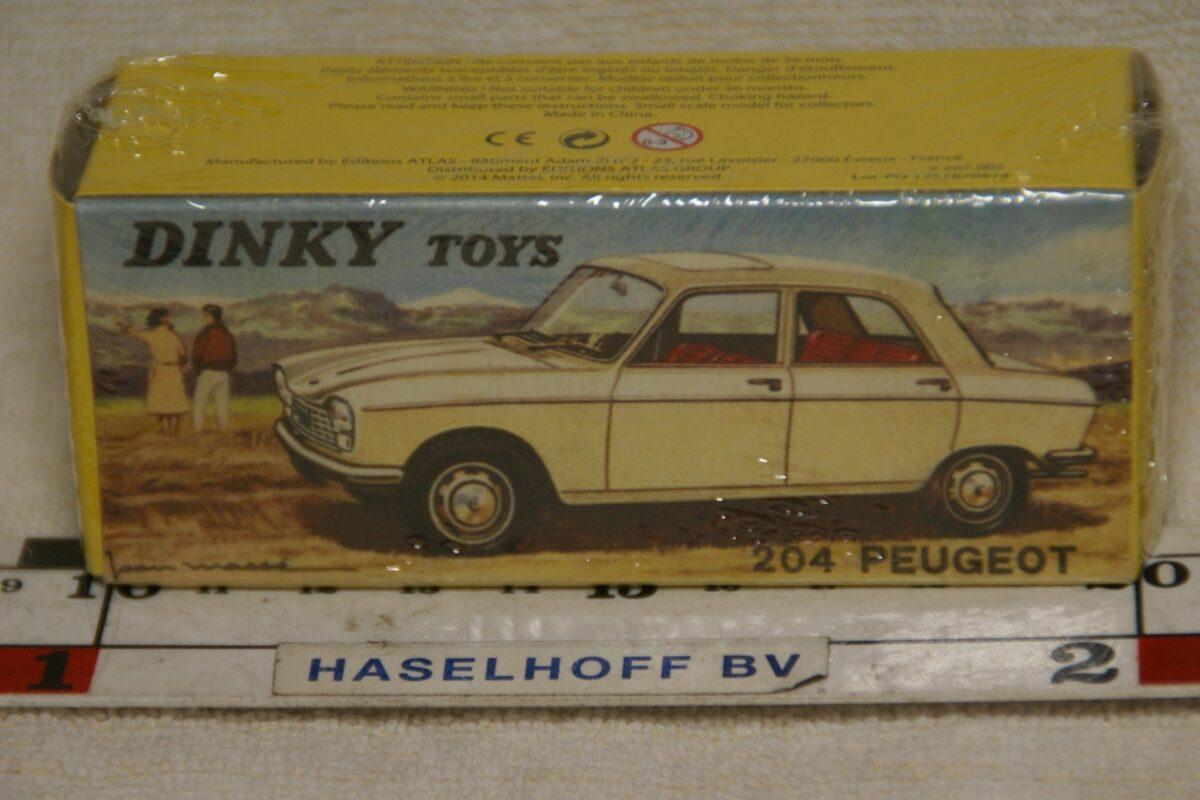 DSC08636 Peugeot 204 wit 1op43 Atlas Dinky Toys 2576019 MB