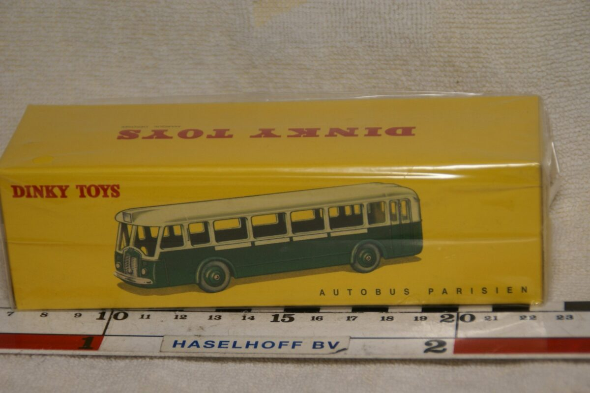 DSC08654 Suoma Parisien bus groen 1op43 Atlas Dinky Toys 2576007 MB