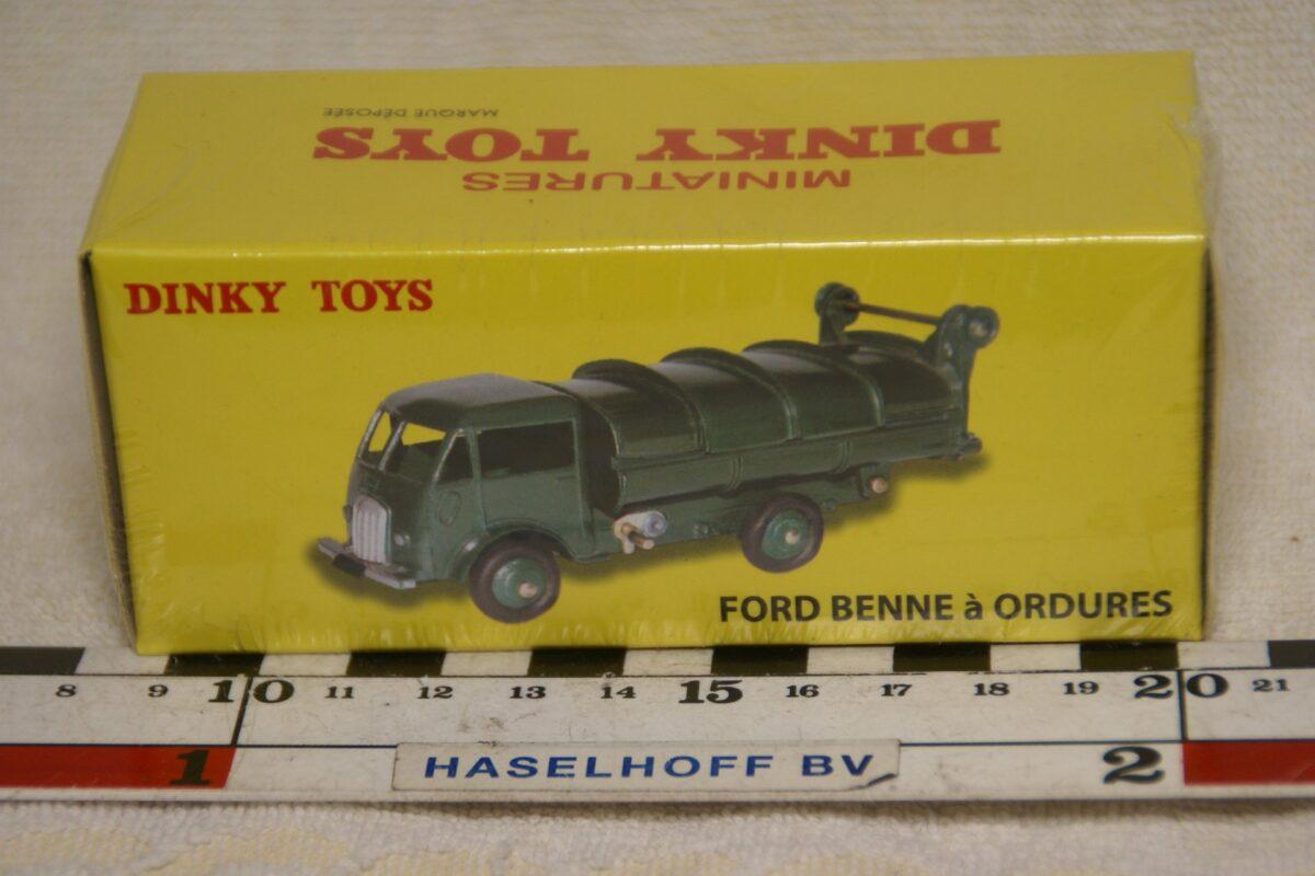 DSC08658 Ford Benne vuilnisauto groen 1op43 Atlas Dinky Toys 2576038 MB