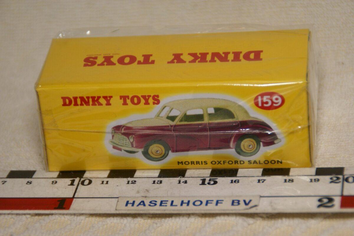 DSC08660 Morris Oxford rood beige 1op43 Atlas Dinky Toys 4659114 MB