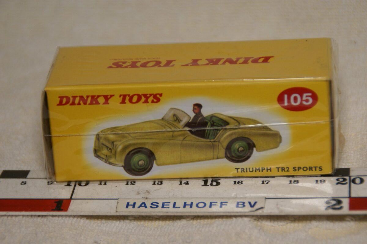 DSC08664 Triumph TR2 geel 1op43 Atlas Dinky Toys 4659128 MB