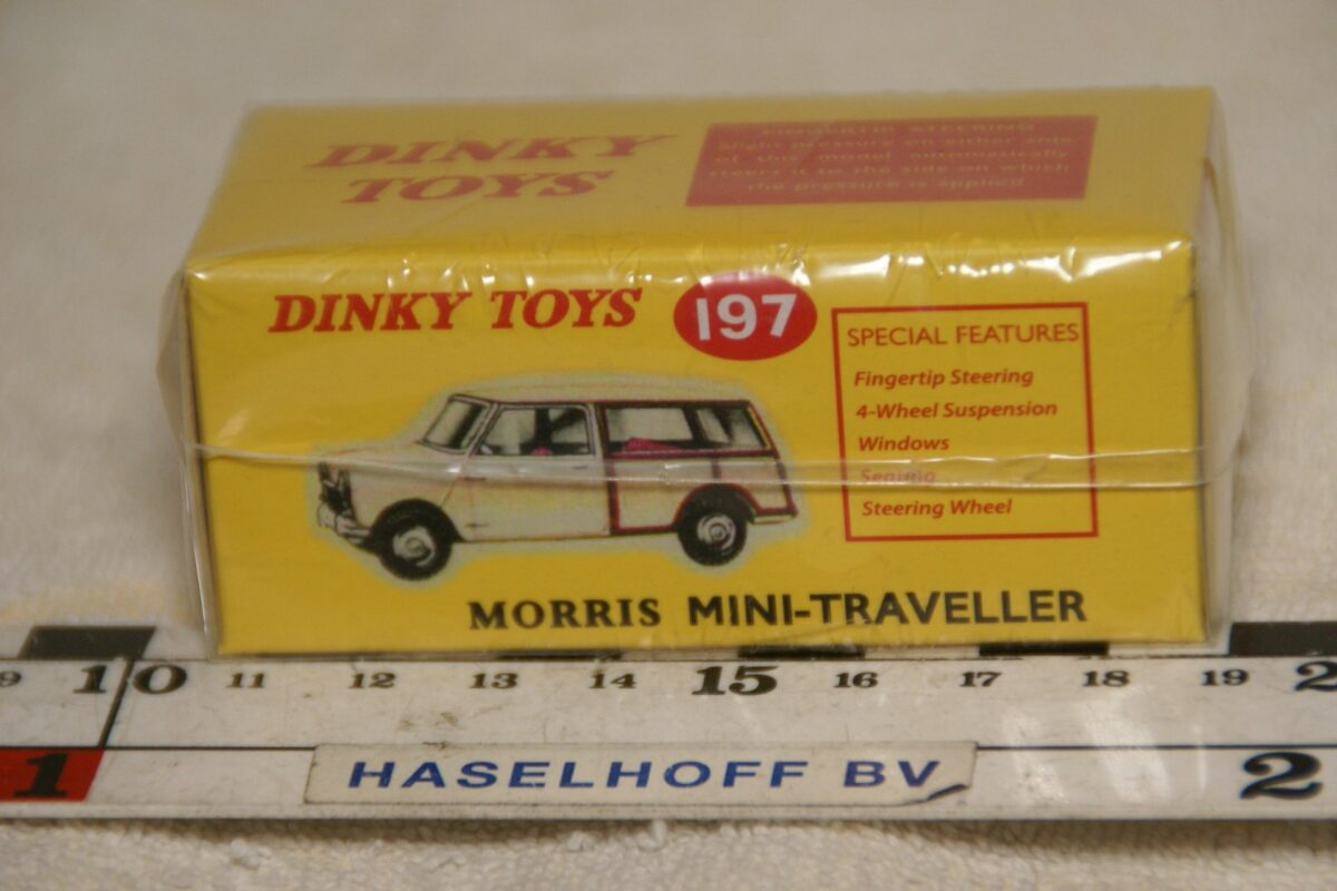 DSC08666 Morris Mini Traveller beige 1op43 Atlas Dinky Toys 4659101 MB