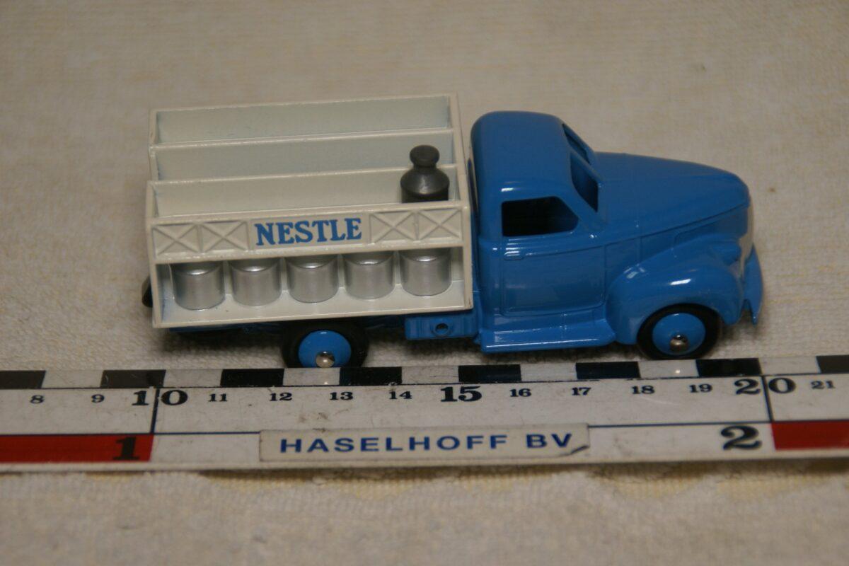 DSC08676 Studebaker melkwagen blauwwit 1op43 Atlas Dinky Toys 4677118 MB