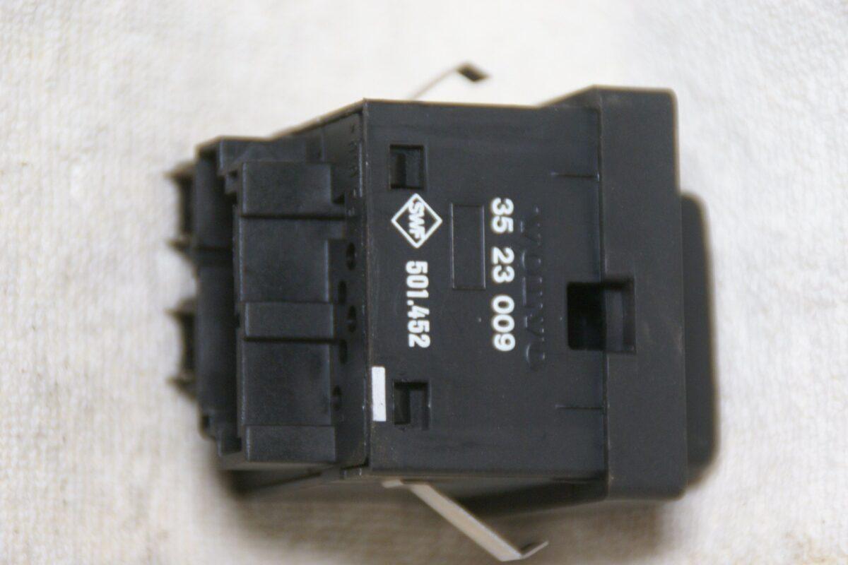 DSC00615 Volvo 850 lichtschakelaar 3523009