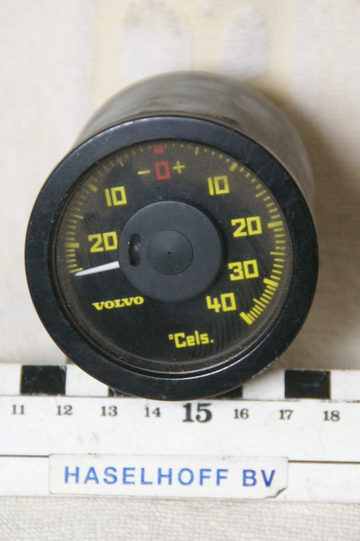 DSC00681 Volvo 200 700 buitentemperatuurmeter