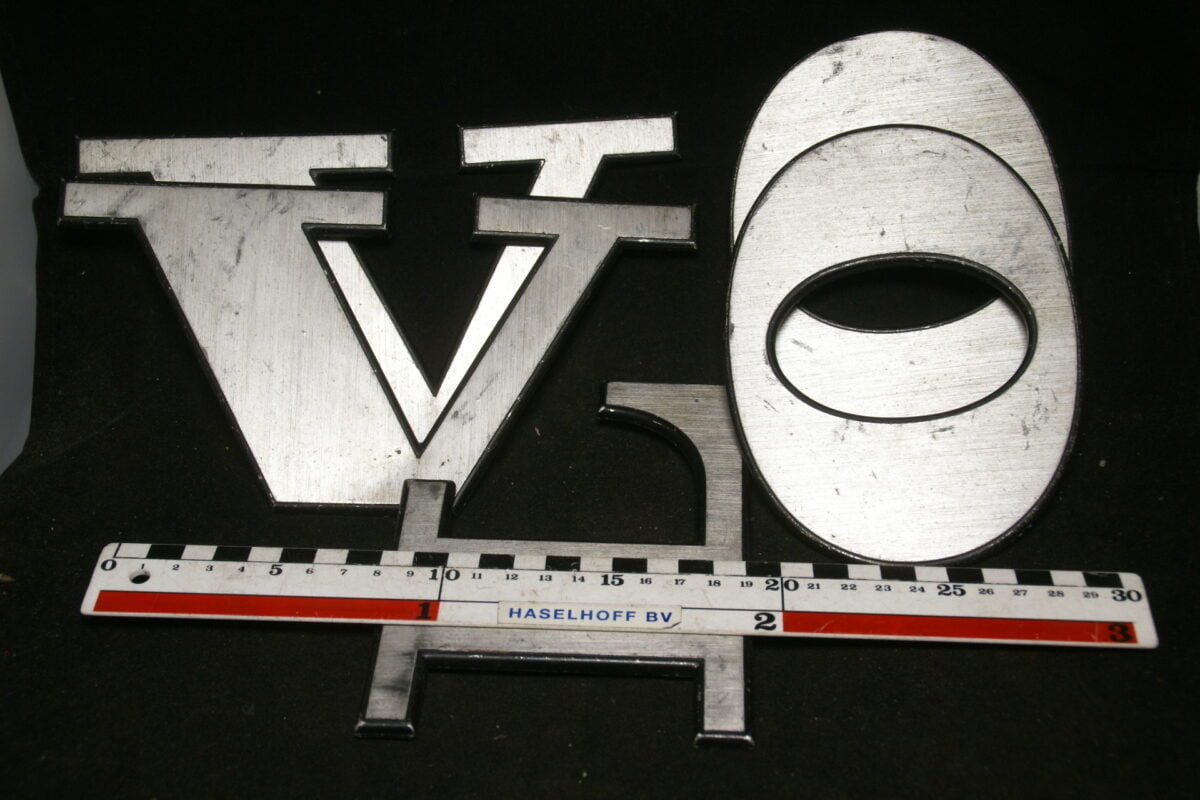 DSC00781 Volvo embleem letters ca 150 mm breed