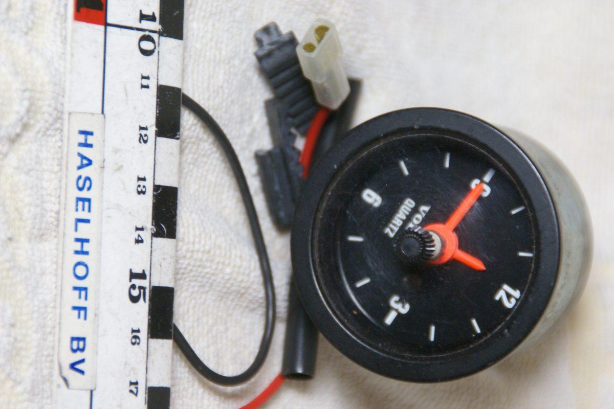 DSC00832 Volvo 140 200 kwartz klok 52 mm