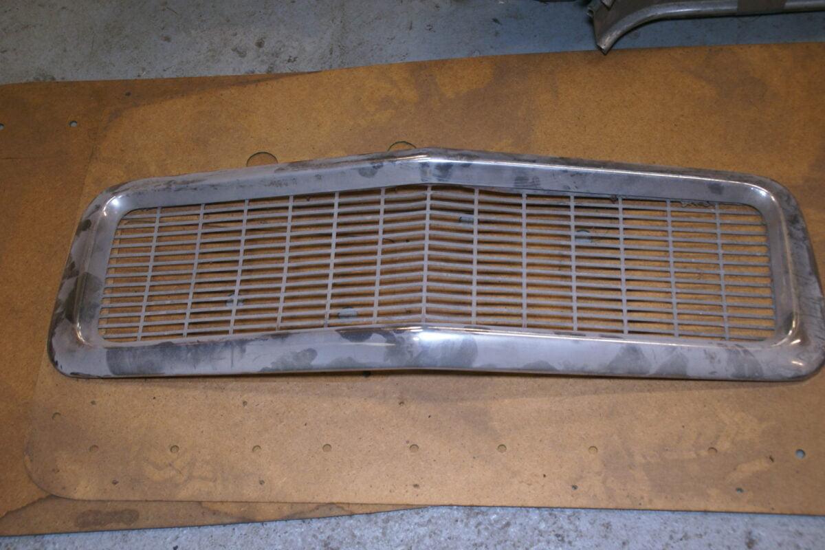 DSC00840 Volvo 544 grillerand met rooster