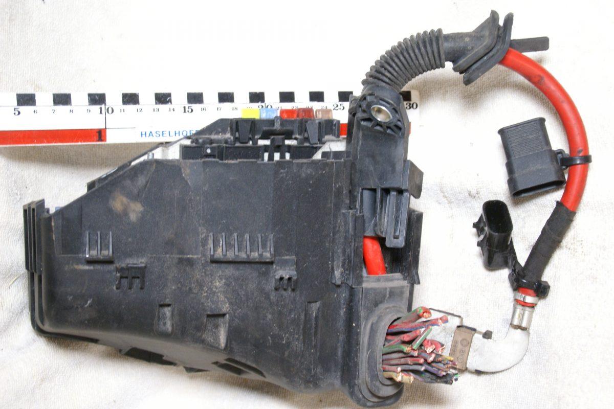 DSC00863 Volvo V70 zekeringkast