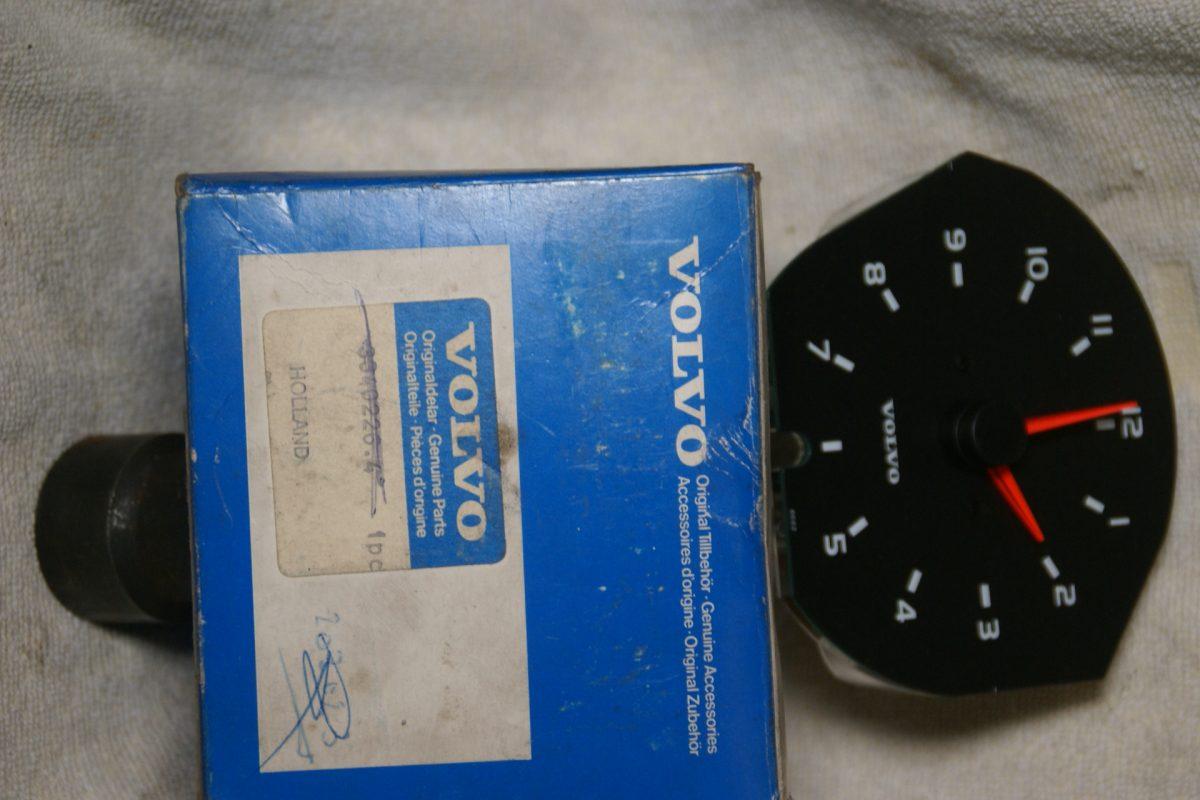 DSC00892 Volvo 300 klok