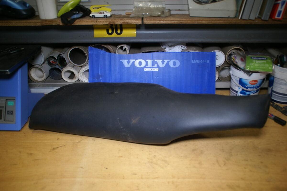DSC00923 Volvo V70 achterbankvulstuk links 30780043