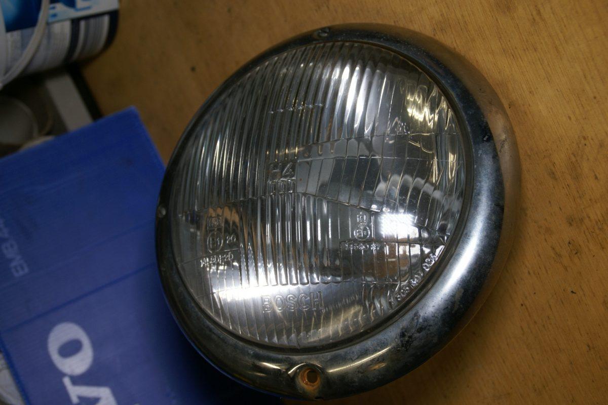 DSC00956 koplamp met pot Bosch 14590R20