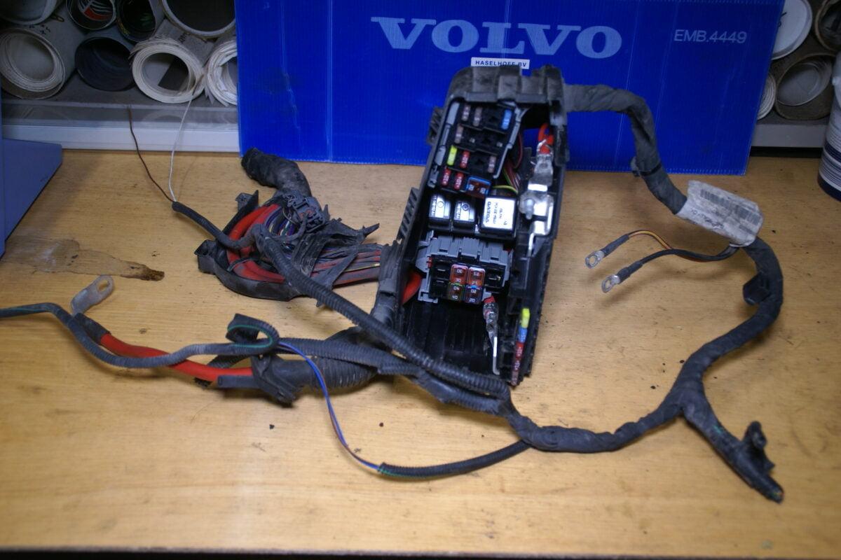 DSC00988 Volvo V70 zekeringkast