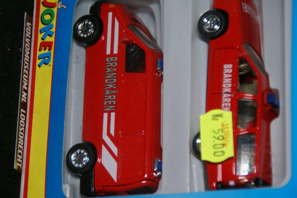 DSC02804 miniatuur Volvo 850 855 rood brandweer met dito bus 1op43 Brio 131125 MB
