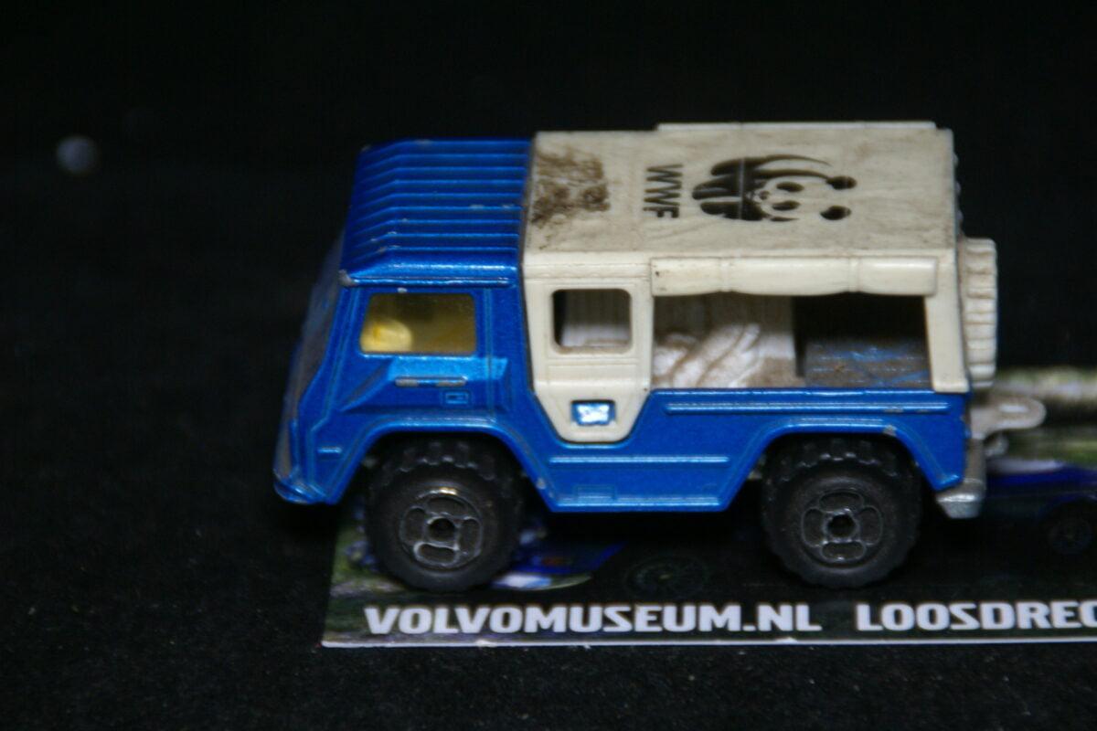DSC02952 miniatuur Volvo C202 Laplander blauw WWF ca 1op70 Majorette bespeeld