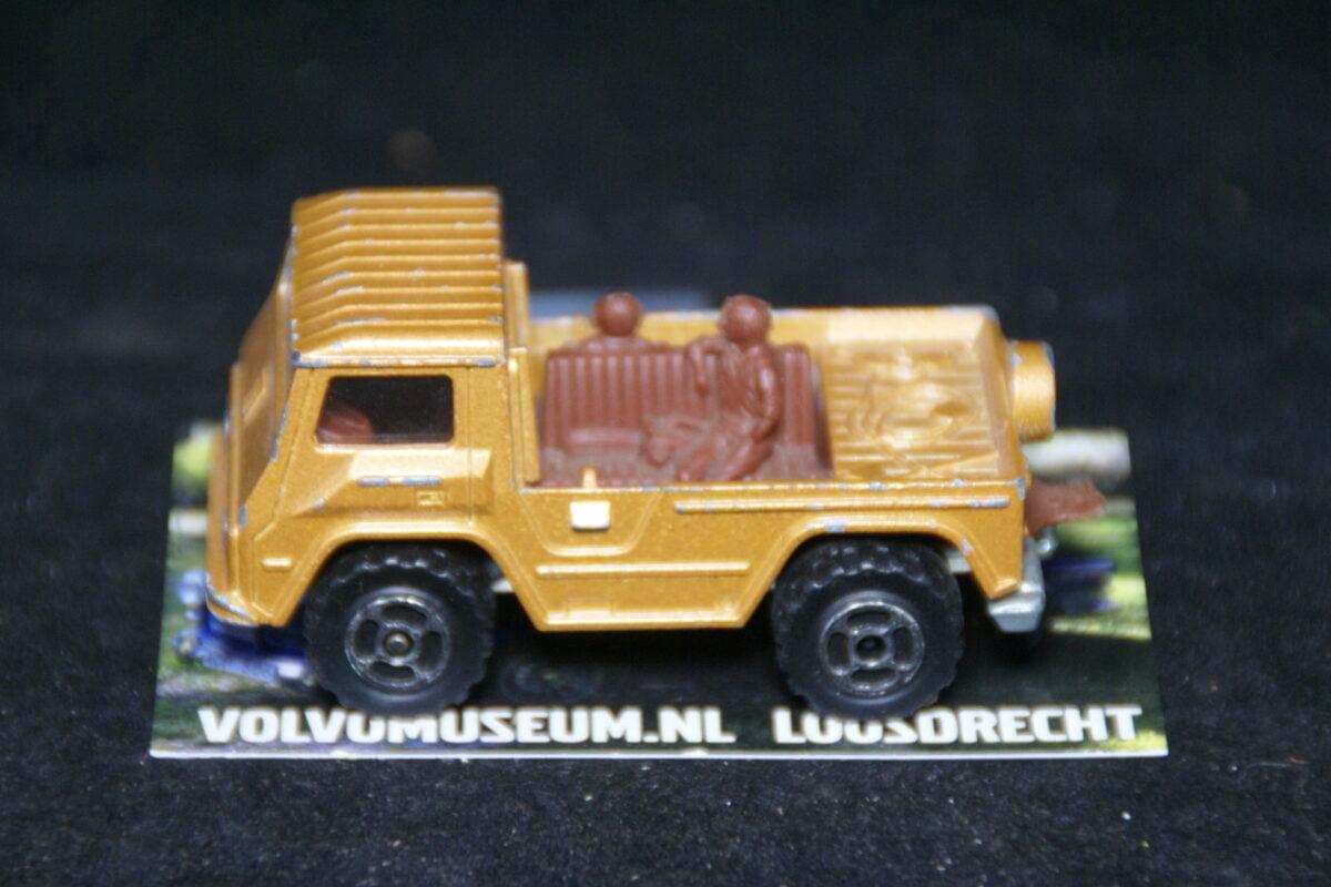 DSC02957 miniatuur Volvo C202 Laplander bruin ca 1op70 Majorette bespeeld