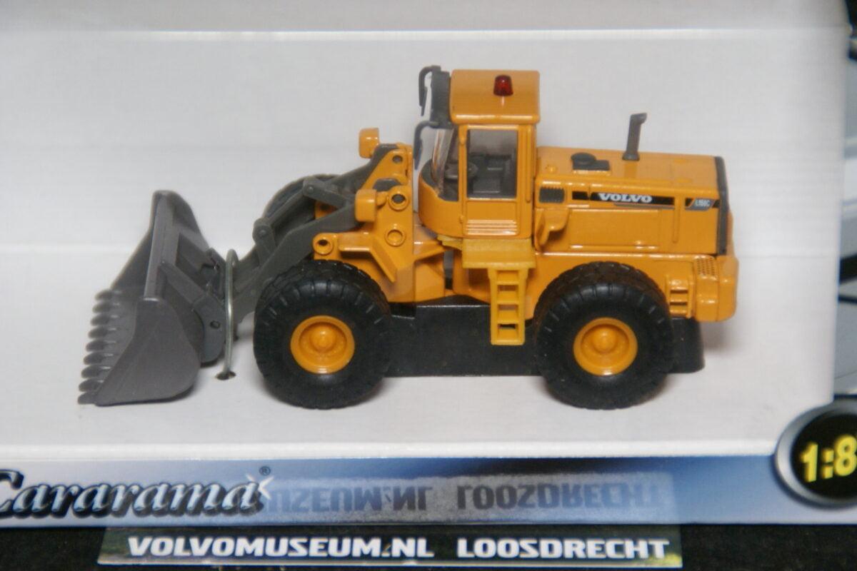 DSC02969 miniatuur Volvo shovel L80C geel 1op87 Carrarama 008103 MB