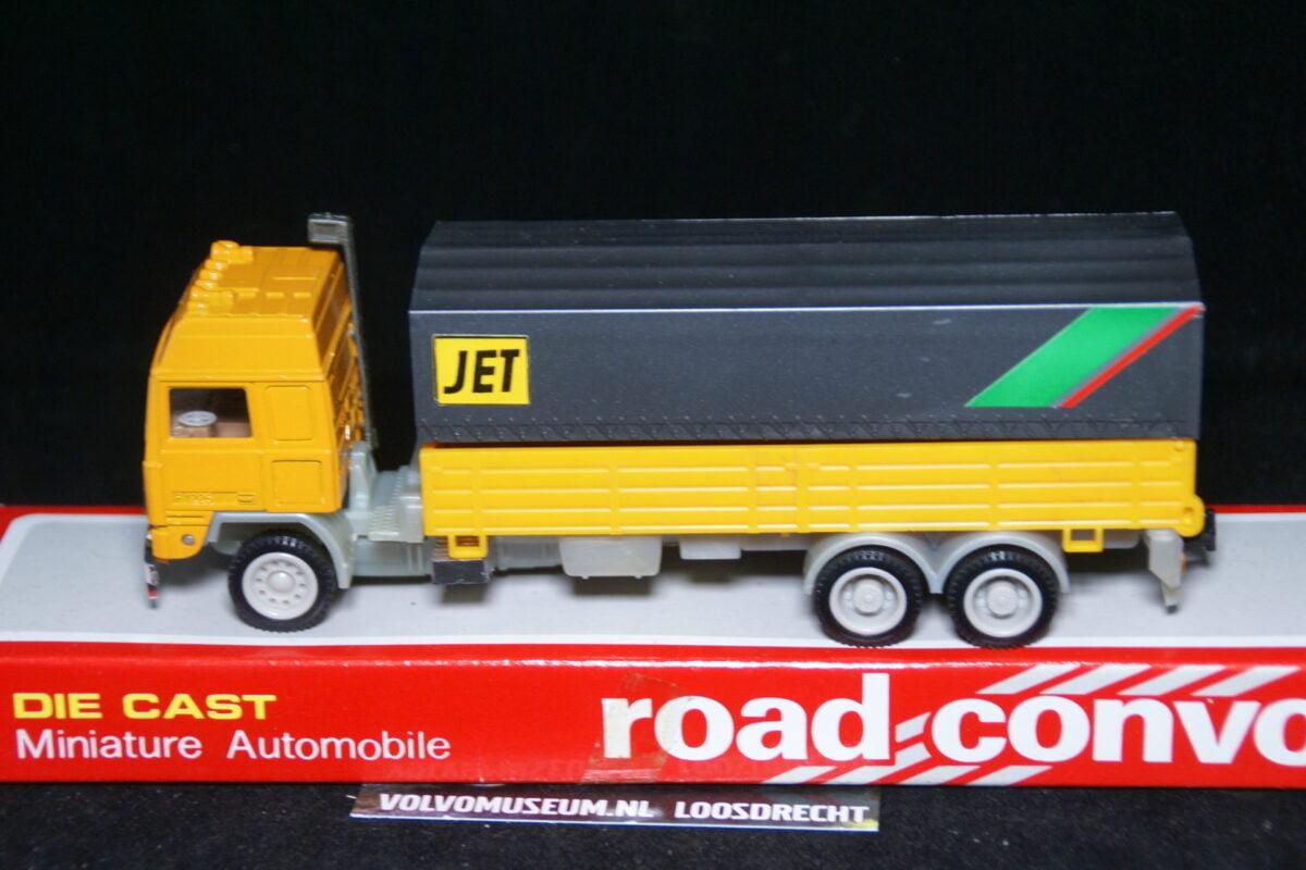 DSC03009 miniatuur Volvo truck geel JET ca 1op50 Road Convoy MB