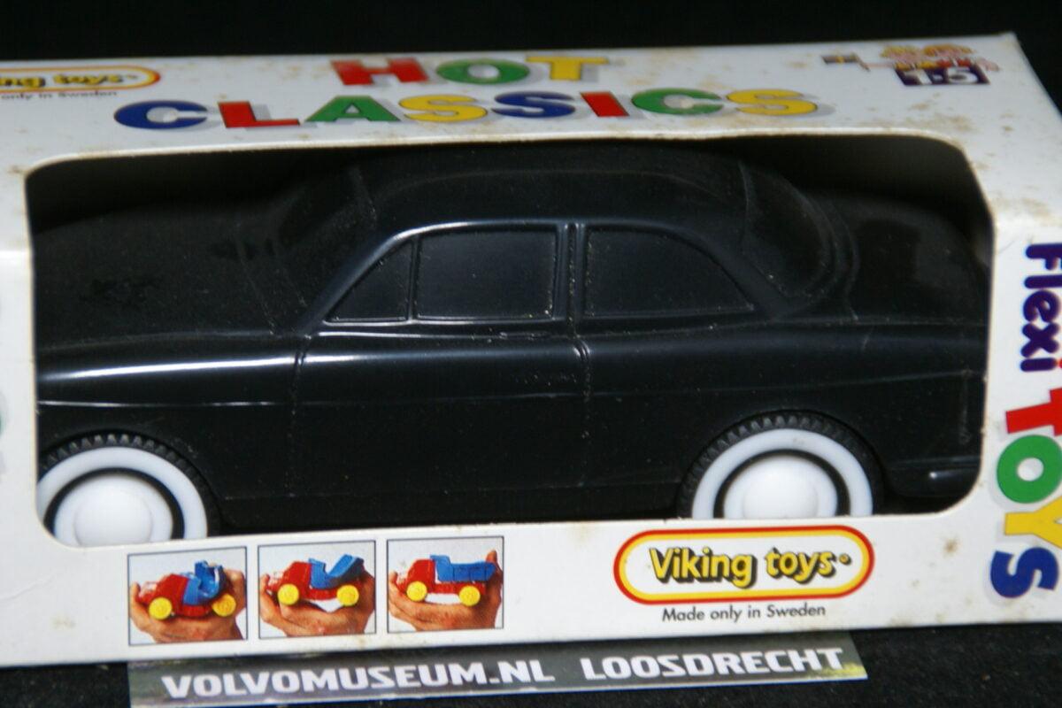 DSC03041 miniatuur Volvo Amazon 130 zwart ca 1op35 Viking Toys MB