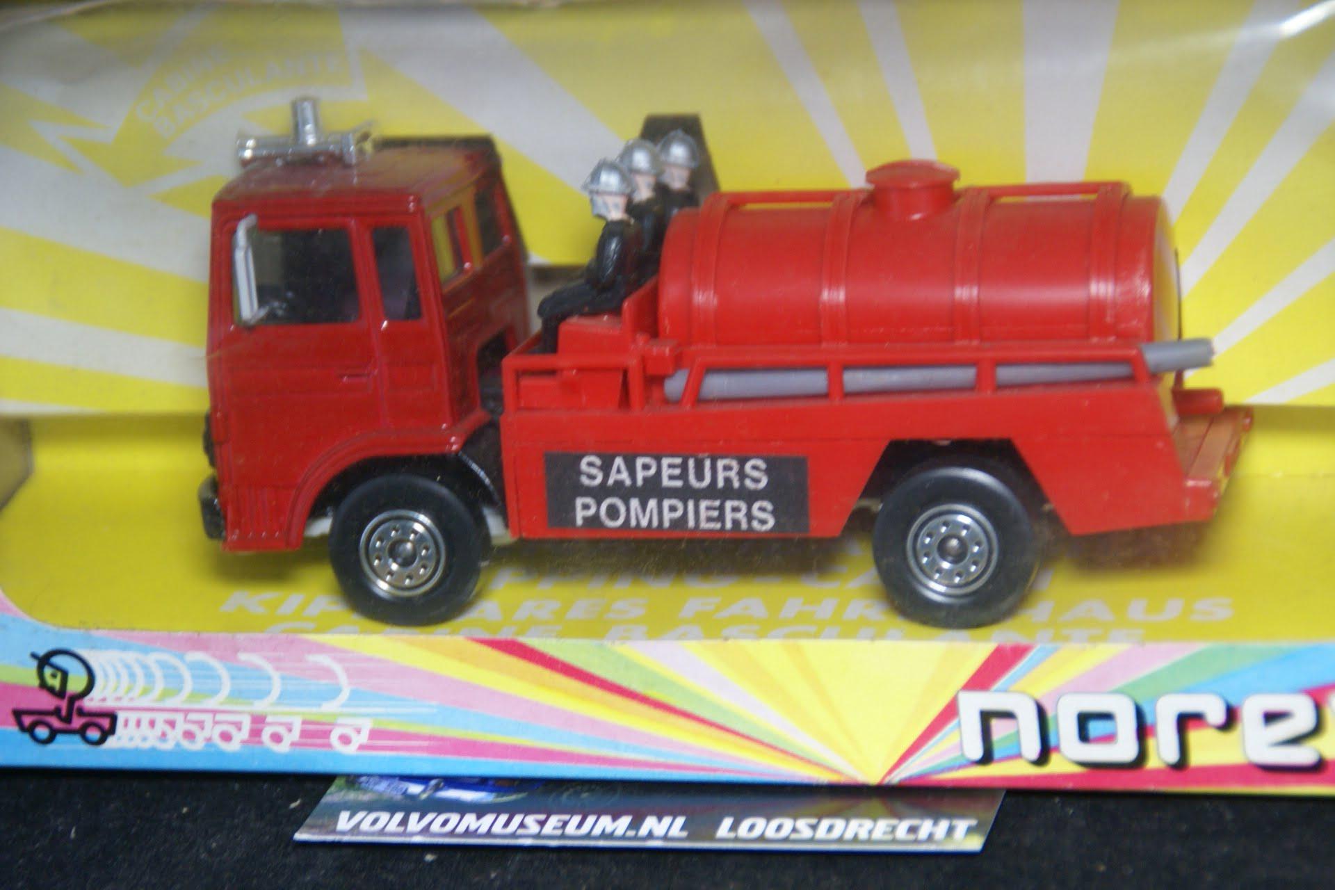 DSC03071 miniatuur Volvo F brandweer 1op43 Norev MB
