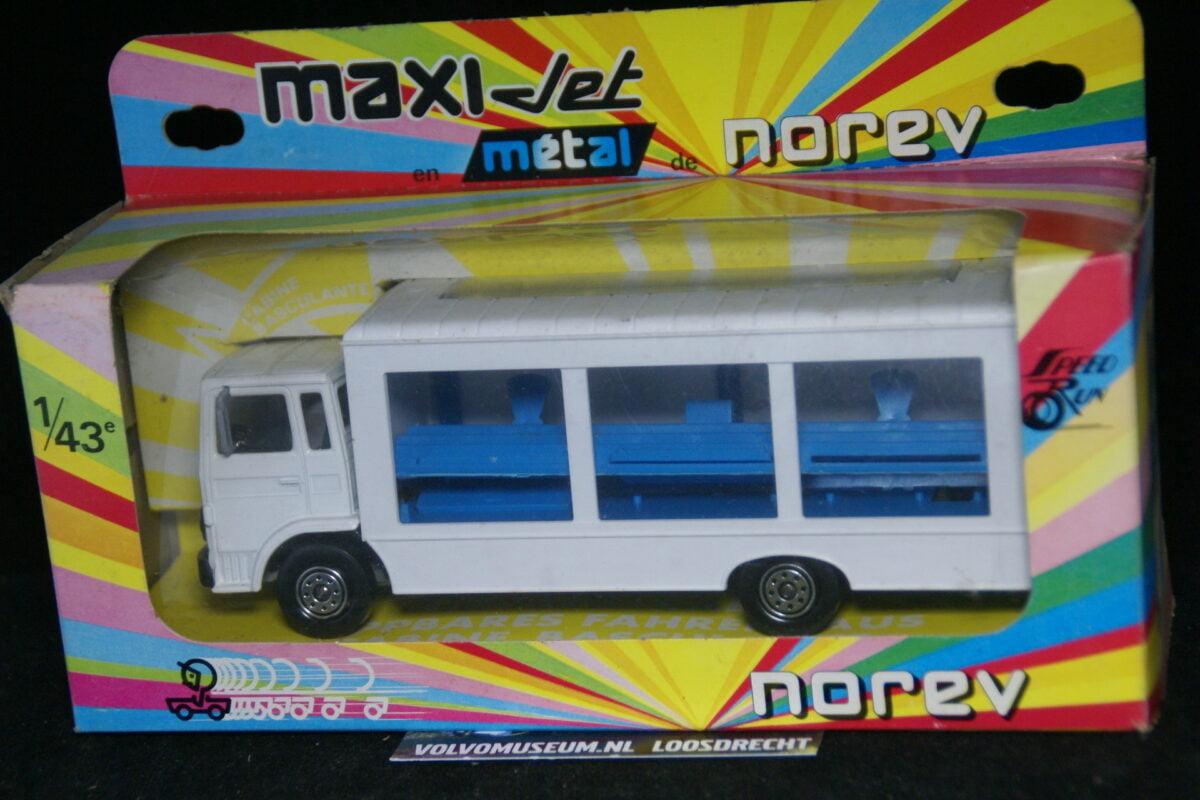 DSC03073 miniatuur Volvo F verkoop truck wit 1op43 Norev MB