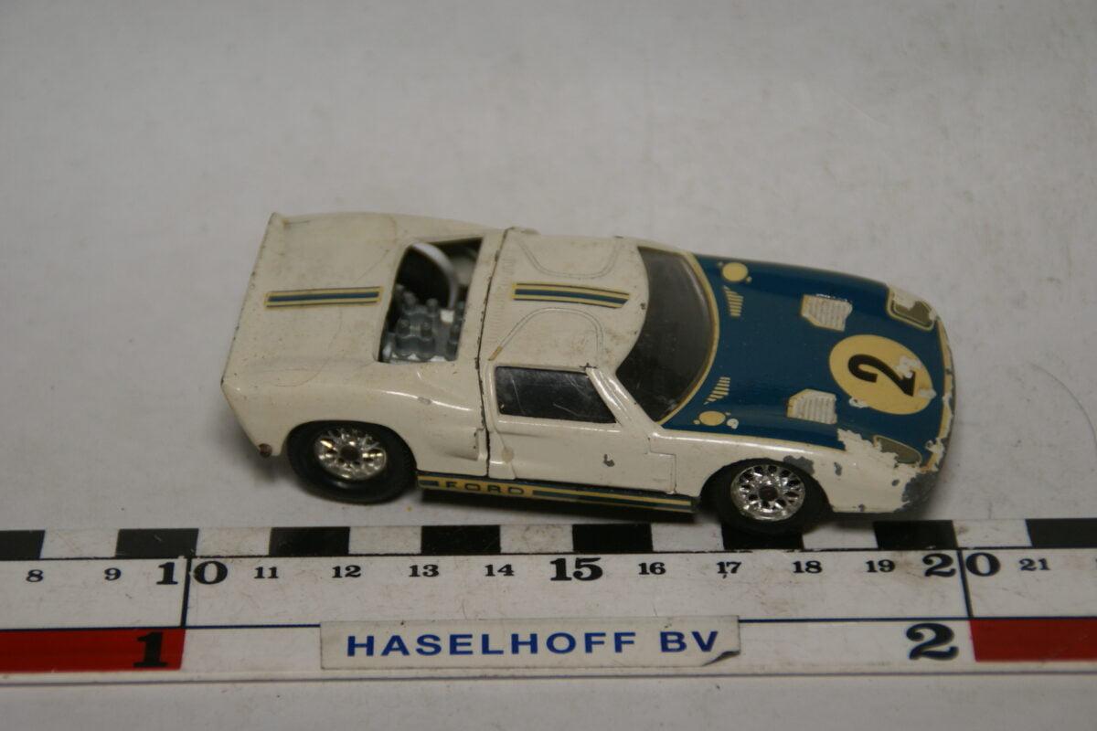 DSC07697 miniatuur 1966 Ford GT40 Le Mans wit 1op43 Solido nr 146