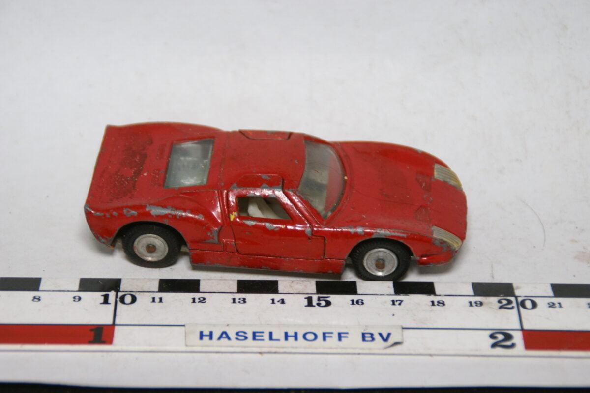 DSC07701 miniatuur 1966 Ford GT40 rood 1op43 Ssabra Gamdakoor Israel nr 8104