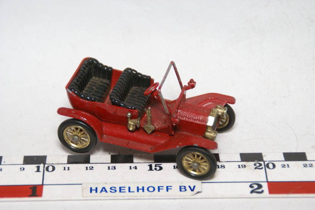 DSC07705 miniatuur 1919 T Ford rood 1op43 Matchbox Yesteryear
