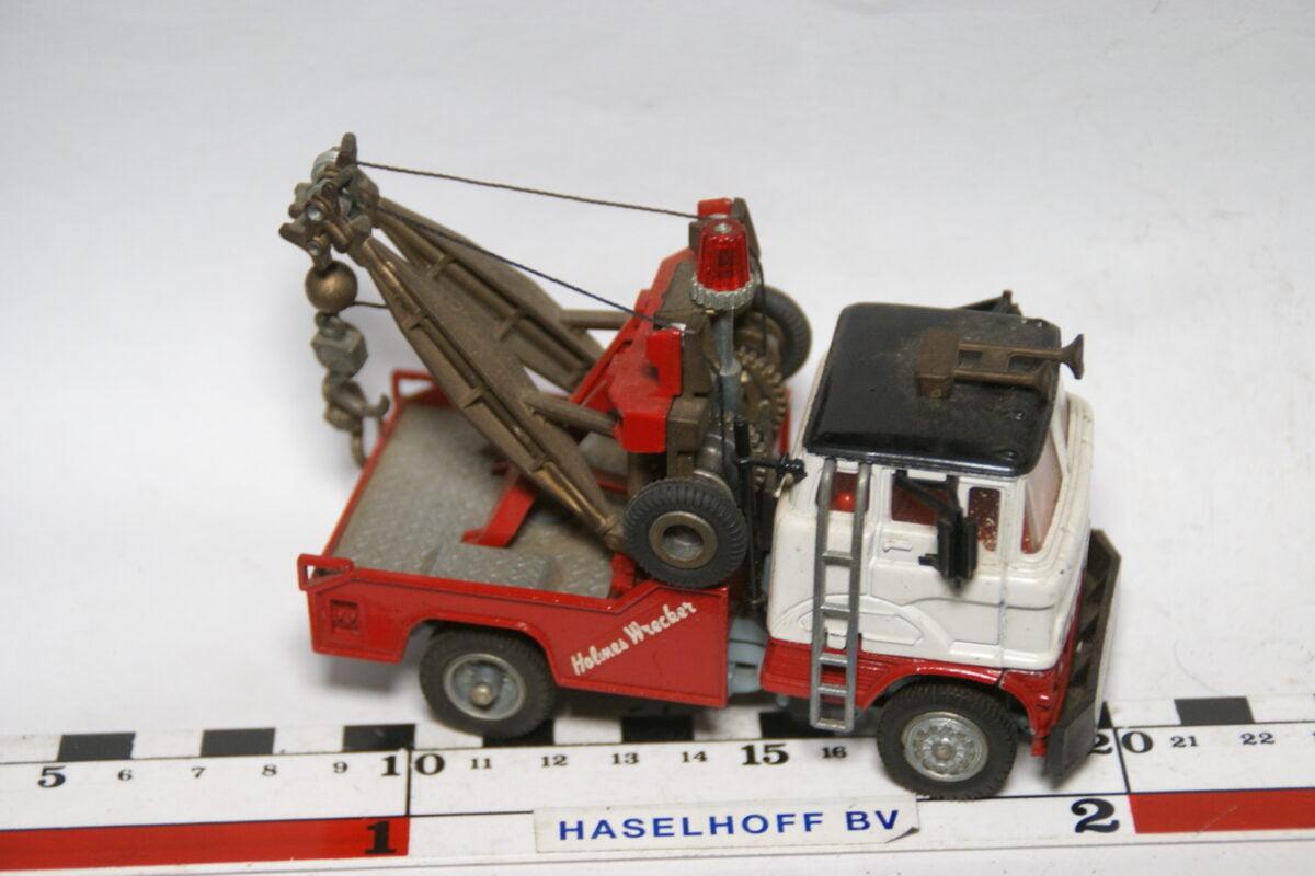 DSC07711 miniatuur Ford kraanwagen rood wit ca 1op43 Corgi Major Toys