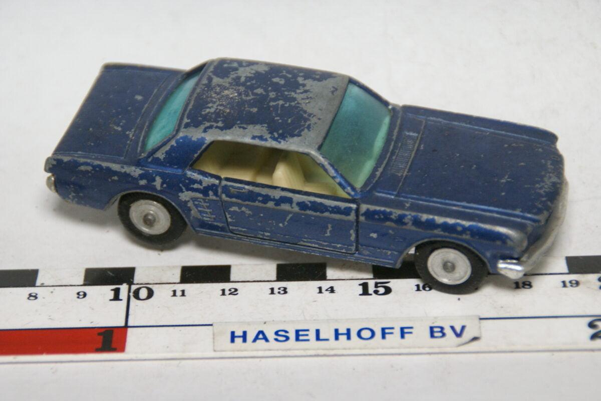 DSC07731 miniatuur Ford Mustang coupe blauw ca 1op43 Ssabra GamdaKoor Israel