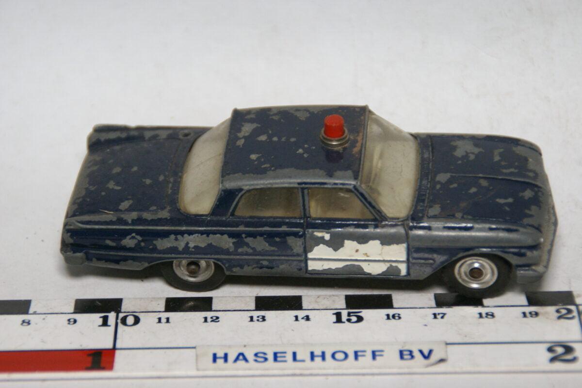 DSC07733 miniatuur Ford Fairlane police ca 1op43 Dinky Toys