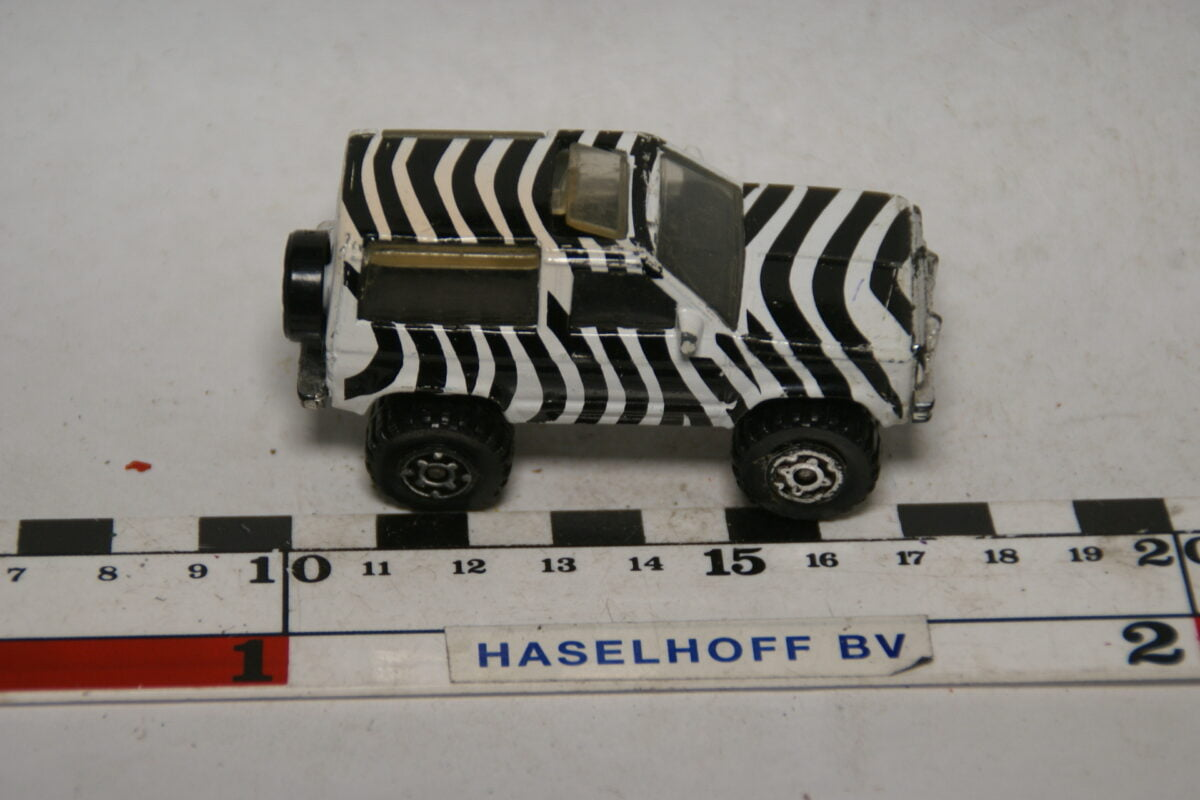 DSC07756 miniatuur Ford Bronco zebra ca 1op70 Matchbox
