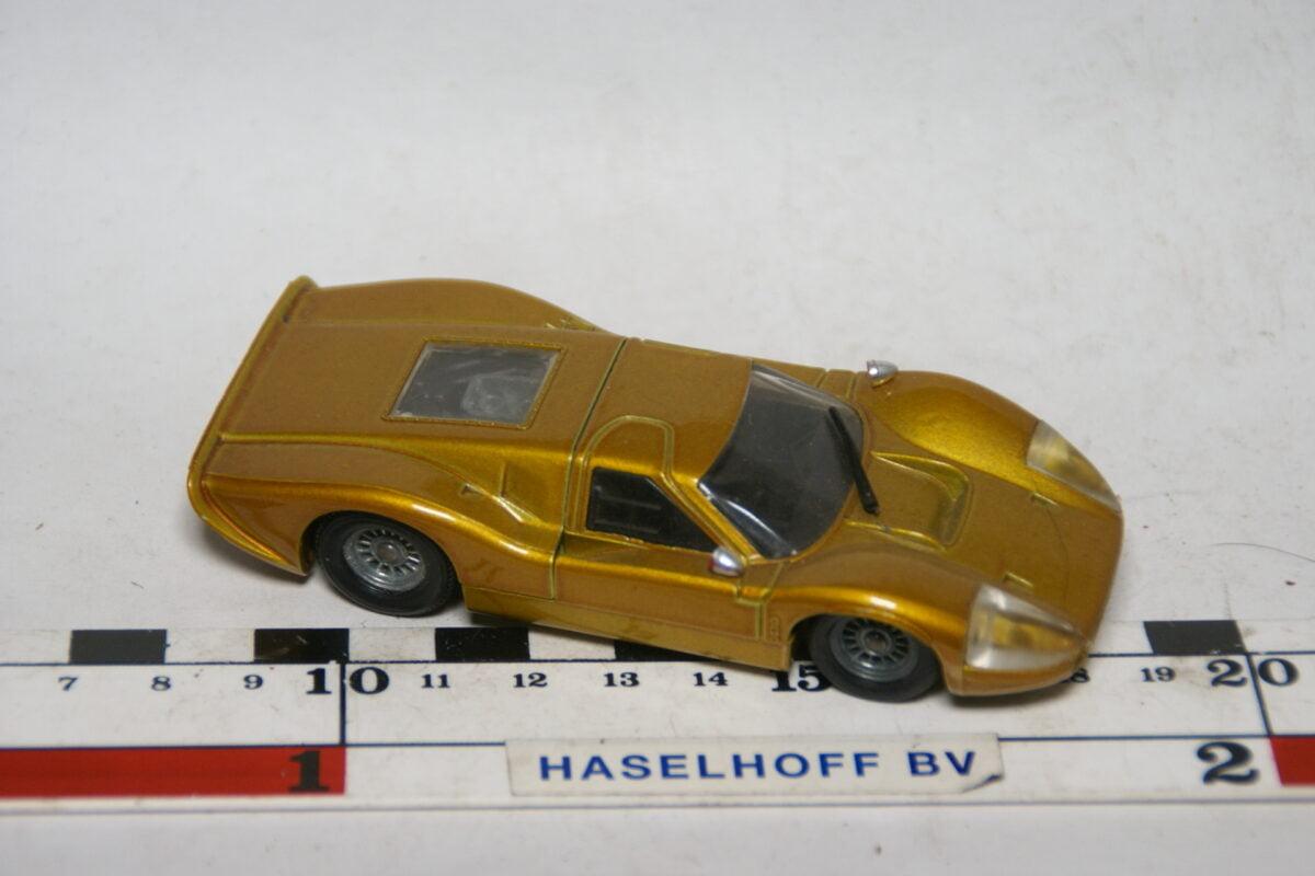 DSC07765 miniatuur 1969 Ford MkIV goud 1op43 Solido nr 170 mint