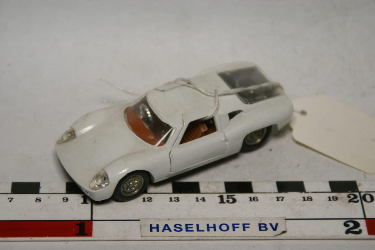 DSC07769 miniatuur Ford Lola GT wit 1op43 Politoys nr 534 mint